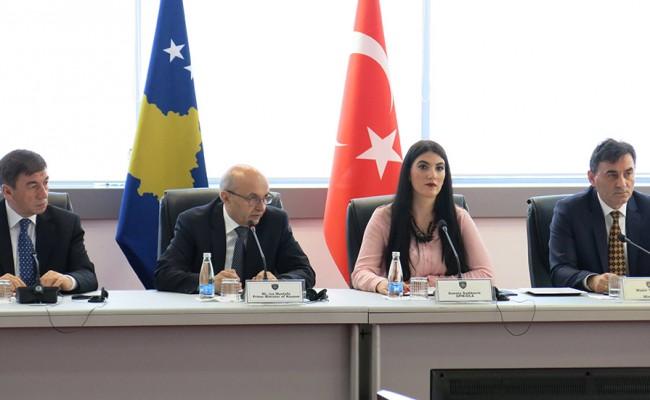Hükümet Toplantısında Türklerin Sorunları Dile Getirildi