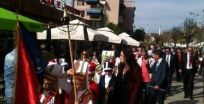 Kortej Yürüyüşü ve Çocuk Konserine Büyük İlgi