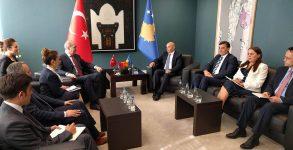 T.C. Başbakan Yardımcısı Numan Kurtulmuş Başbakan Isa Mustafa'yla bir araya gelmişlerdir